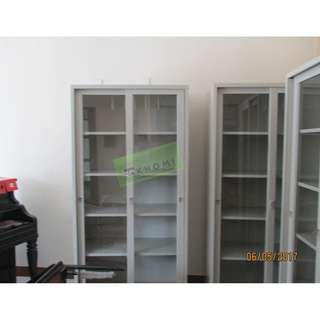GLASS SLIDING DOOR CABINET & MOBILE PED RECESSED HANDLE