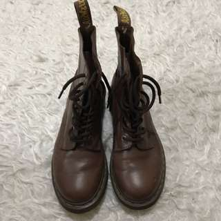 Dr. Martens Pascal brown size 6