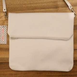 Sling Bag Lipat Zipper