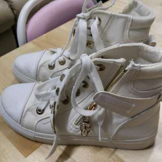 White High Cut Rubber Shoes