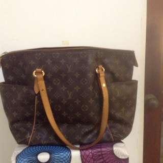 Authenticity LV Shoulder Handbag