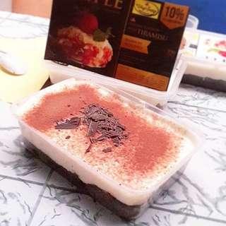 Trifle varian baru ready kamis ya