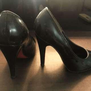 Janylin stilletos with mad red soles