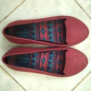 Red flat shoes Bata