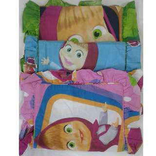 Sarung bantal masha uk 50x20
