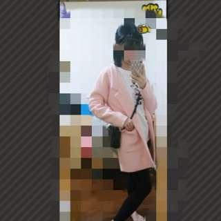 粉色毛呢大衣