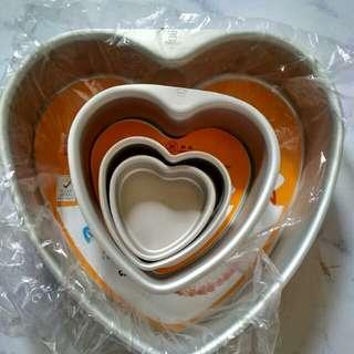 Baking pan heart cake