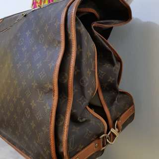 Authentic LV luggage. Shoulder strap.