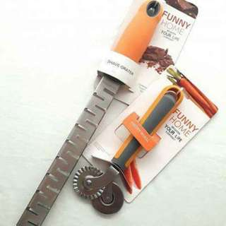 Shave Grater with Free Pastry Wheel