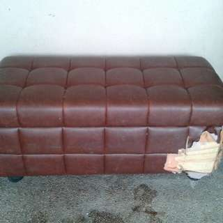 CHEST BOX SOFA