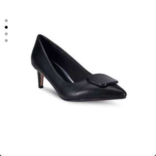 Vincci Kitten Heel Pumps