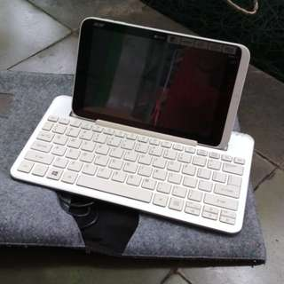 Acer Iconia W3 Tablet Netbook