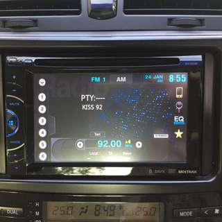 Pioneer AVH-2650BT touchscreen Bluetooth, USB, reverse camera in Headunit