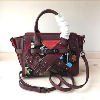Tas Branded Coach Swagger 27 Canyon Quilt Leather - Marun