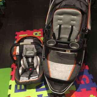 Graco stroller, carrier, base