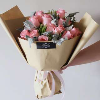 Rose Bouquet-Medium Size ( placed order before 4th Feb to enjoy current price!)