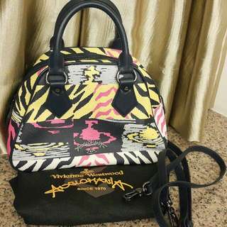 平售: Vivienne Westwood 手袋