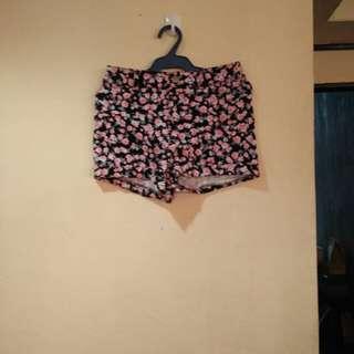 H&M Pink/black floral shorts