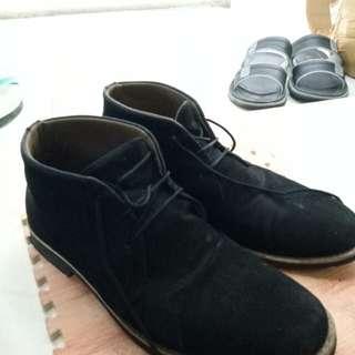 Boots Yongki komaladi beludru not zara pullnbear dr marten