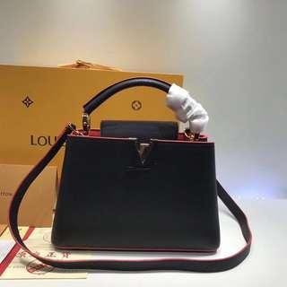 LV Louis Vuitton Capucines 海軍藍手袋 (配全套包裝)Size:27*21*10cm