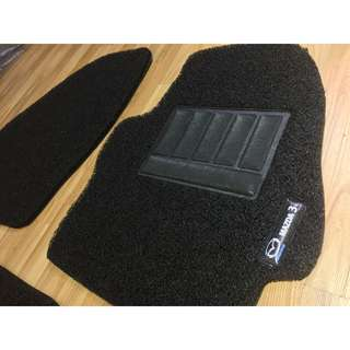 2009 TO 2013 MAZDA 3 OEM FITMENT CAR FLOOR MAT..BLACK PVC CARPET MAT WITH MAZDA 3  LOGO 5 PCS 20MM THICK COLOR AVAILABLE - RED,GREY ,BEIGE ,BROWN & BLUE...PLEASE CONTACT ME BEFORE DROPPING BY !