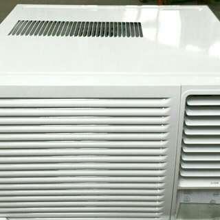 東芝牌(TOSHIBA)窗口式冷氣機(幵箱只是影相)