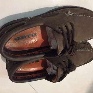 ORIS駝色雷根鞋