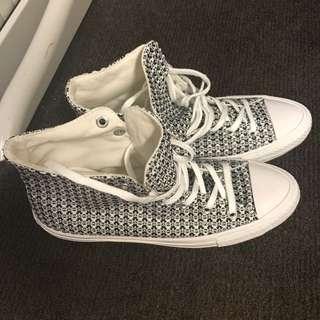 全新 Converse 555876C black/white (EUR 37.5/UK4.5)