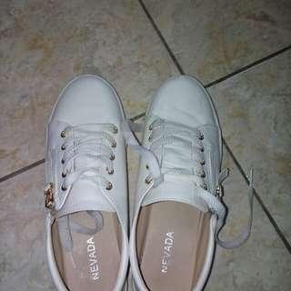 Nevada White Sneakers