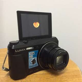 Vlogging Camera (LUMIX TZ55, WiFi) - FREE Hardcase + 8GB External Memory Card
