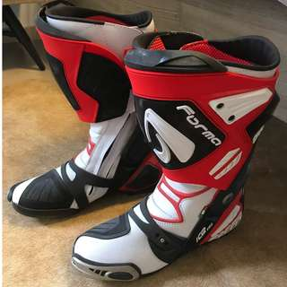 MOTORBIKE LEATHER TRACK BOOTS FORMA ICE PRO MADE IN ITALY USED ONLY 1 TIME