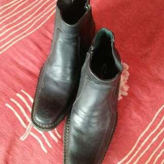 men's shoes/ semi boots
