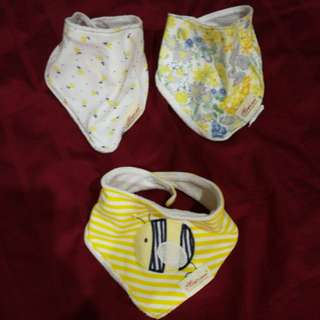 Baby Bib yellow theme