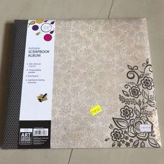 Refillable Scrapbook Album