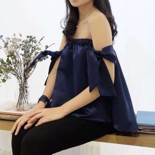 Cory top in navy blue
