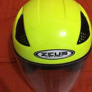 Helm Zeus Warna Kuning
