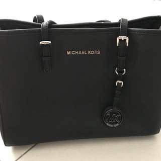 Mk bag 100% authentic