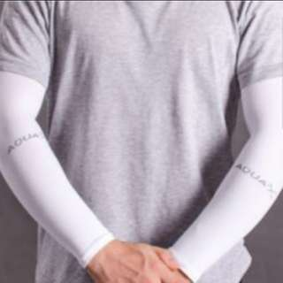 Aqua x white arm sleeve