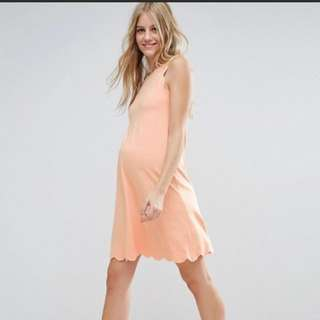 New with tags ASOS Blush Maternity dress with scallop hem size 8