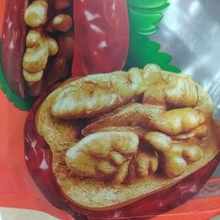 紅枣夾合桃葡萄干