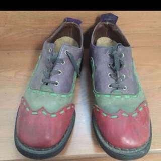 Sepatu kulit asli size 43