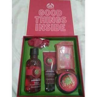 New!! Paket strawberry GIFT SET body shop