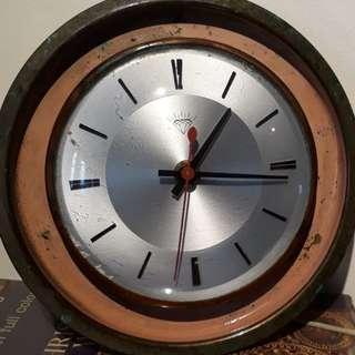 vintage Diamond electric clock