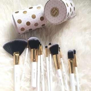 BH cosmetics White Dot Brush Set