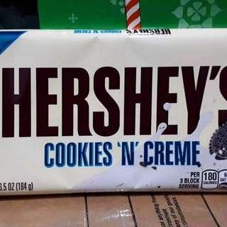 Hersheys Cookies n Creme Giant