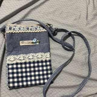 ❤宅女瘋狂賣❤ 斜背包 手機袋 錢包 小物袋 信用卡 悠遊卡 出國防搶包
