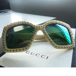 【Gucci】square-frame oversize sunglasses metal star 太陽眼鏡
