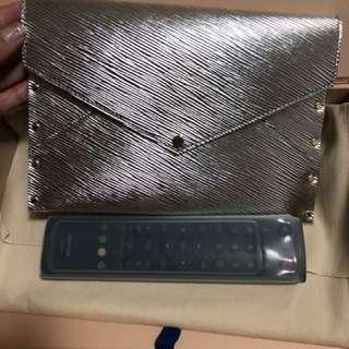 LV Vip gift Clutch 全新 有盒有塵袋