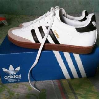 Sepatu samba