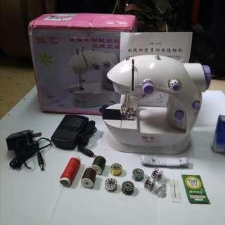 mini sewing machine迷你衣車